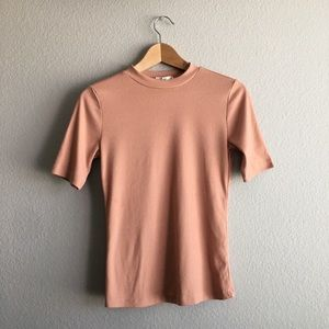 Tops - 🎈FREE! Pink short sleeve top size medium